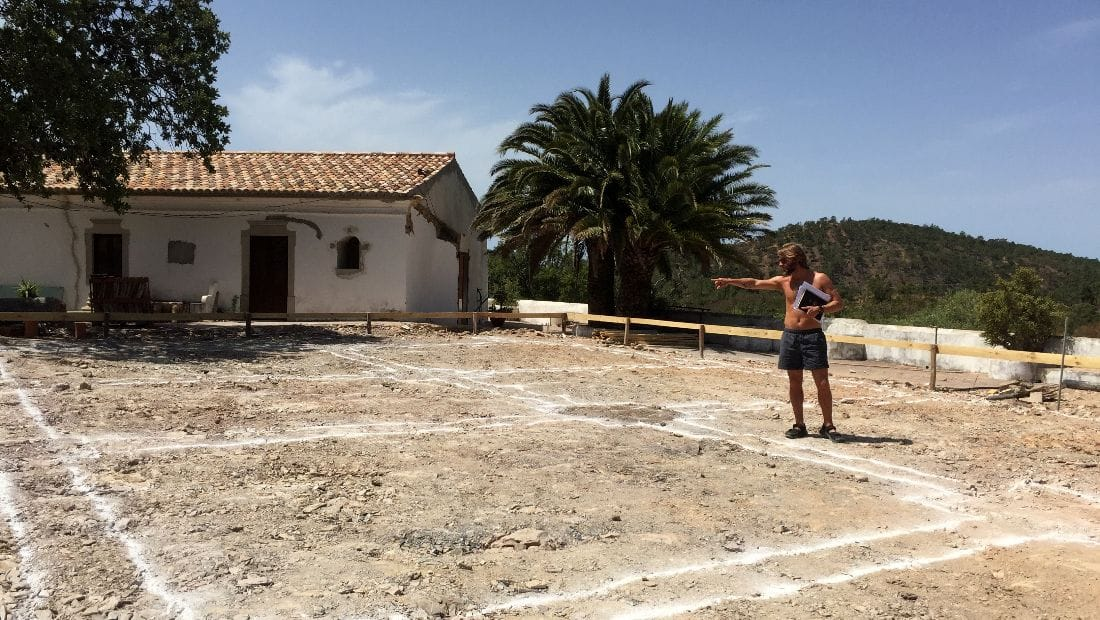 Andrew Finlay at Wild View Retreat Corgas Bravas Faro Portugal