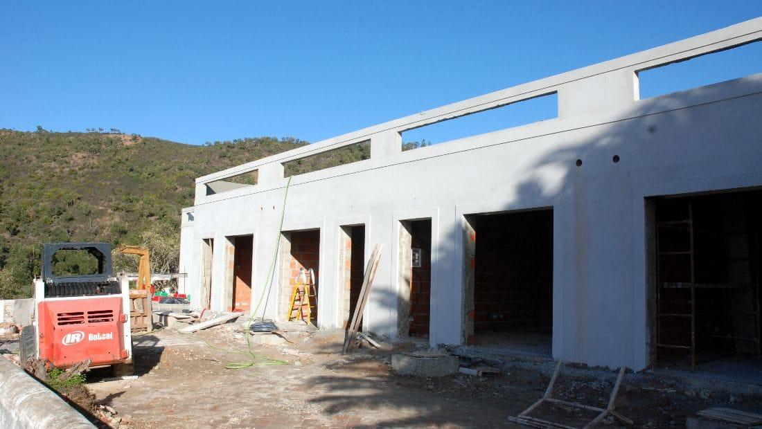 Guest rooms at Wild View Retreat Corgas Bravas Faro Portugal