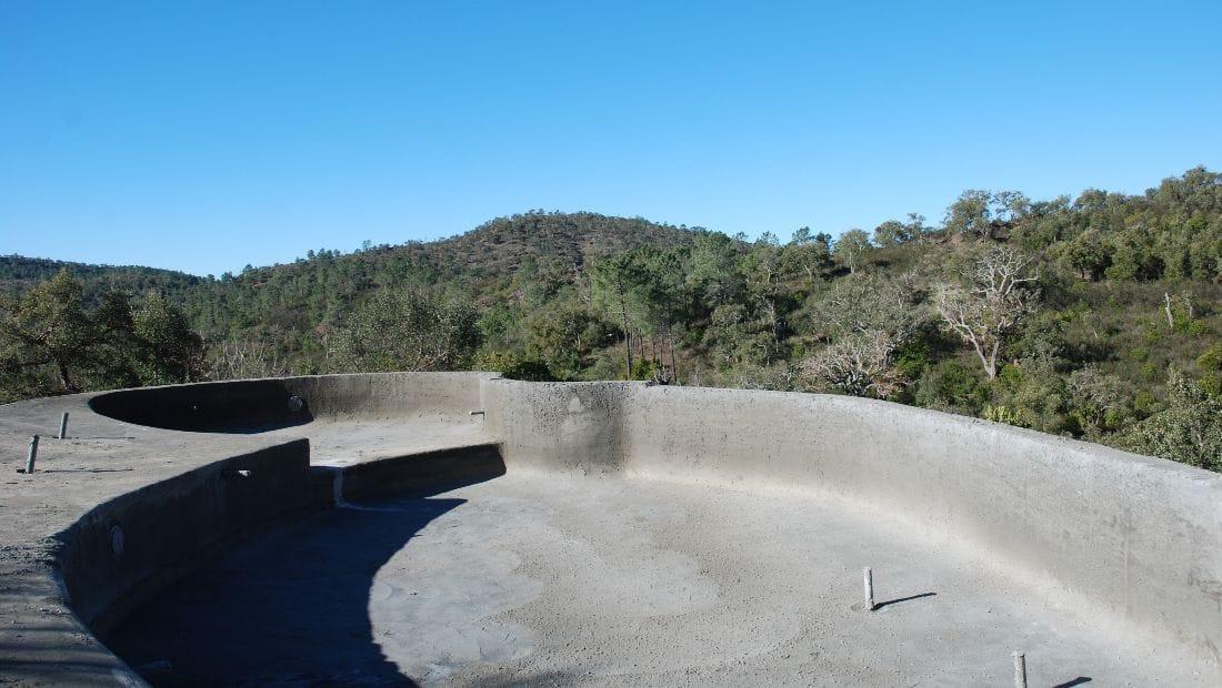 The beginning of the infinity pool at Wild View Retreat Corgas Bravas